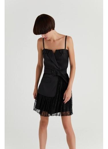 Rue Dantel Detaylı Kemerli Elbise Siyah